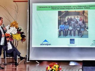 Diretor da AEAS ministra palestra em fórum sobre resíduos sólidos