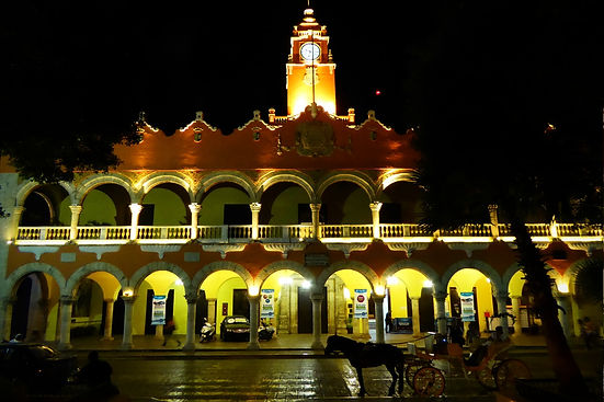 merida mexico night