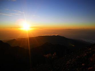 Mt Rinjani volcano trek Lombok Indonesia sunrise