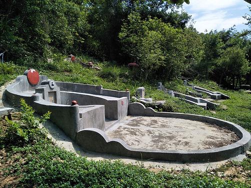 tomb, grave, hong kong, trail, mountain, hiking,