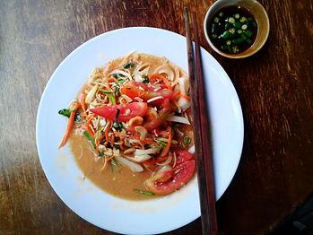 som tam, papaya salad, chiang mai, thailand