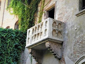 Juliet's house, balcony, verona, italy