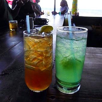 placencia belize barefoot bar cocktails