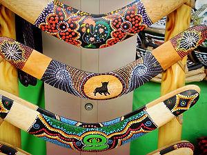 boomerangs, madrid, market, spain