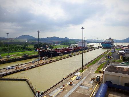 miraflores locks, panama canal, panama city