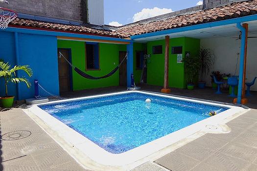 casa verde hostel santa ana el salvador