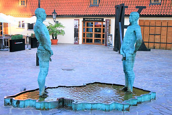 piss sculpture, prague, czech republic
