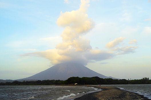 volcano isla de ometepe nicaragua