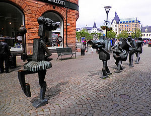 malmo, sweden, statue, marching band