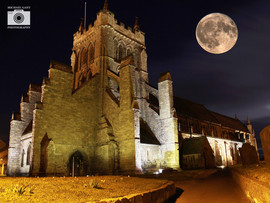 st hildas straight with big moon .jpg