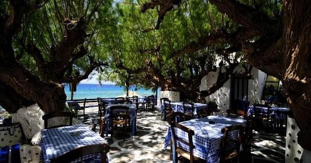 Kalliotzina taverna in Koutsouras, East Crete.