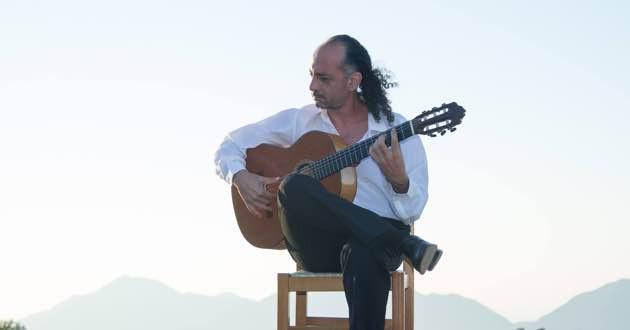 Guitarist Christos Tzifakis.