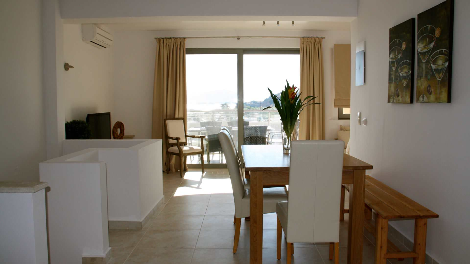 townhouse-maisonette-living-luxurious-bayview-resort