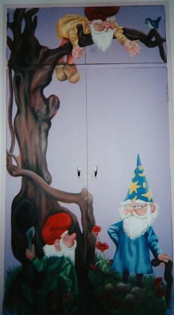 Dwarf Cupboard Scene