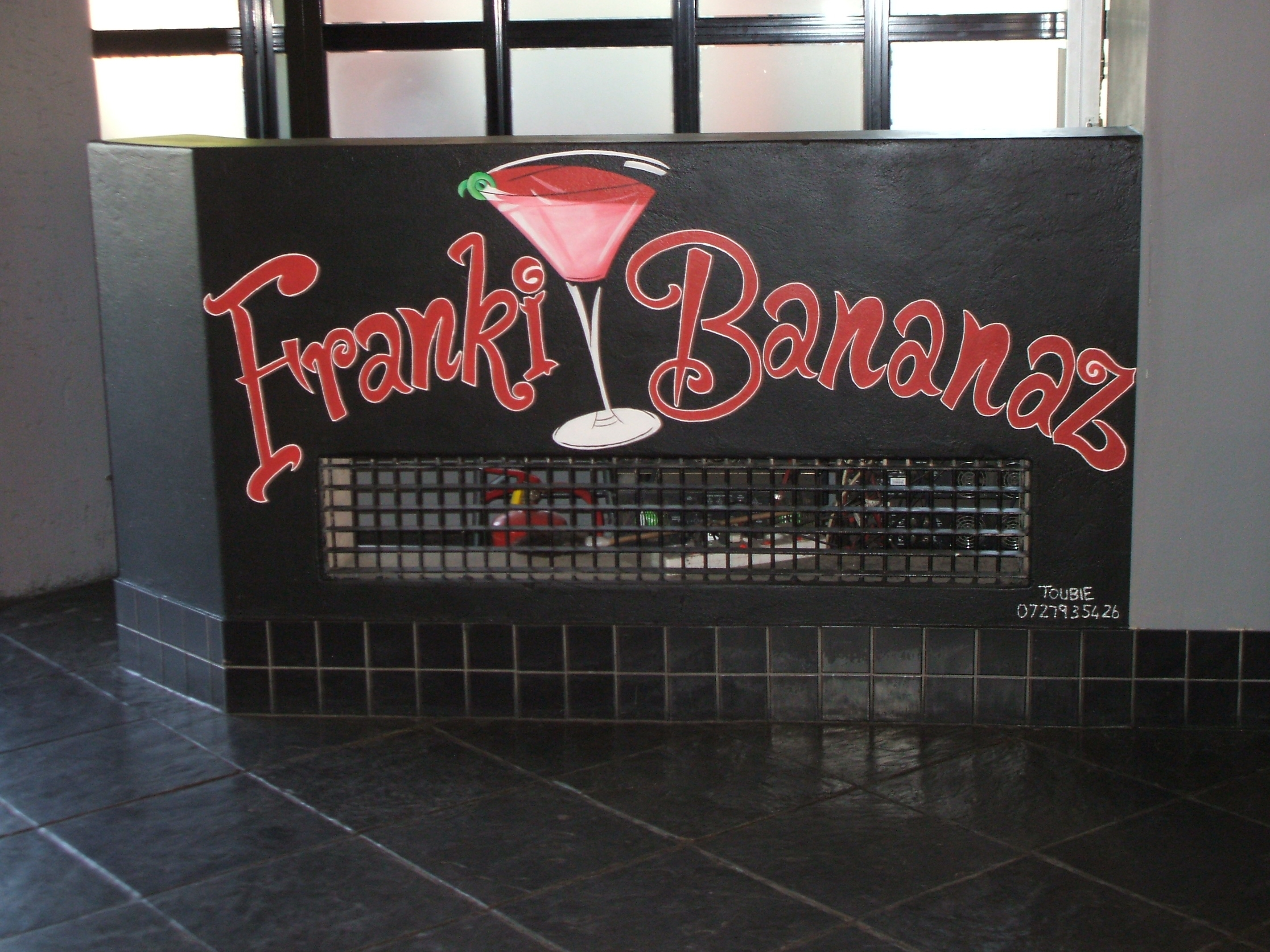 Frankie Bananaz DJ box 1
