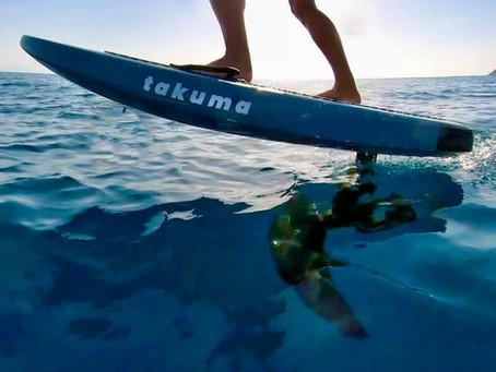 Sport im Urlaub gefällig? Neue Trends zu Wasser, Yoga am Strand