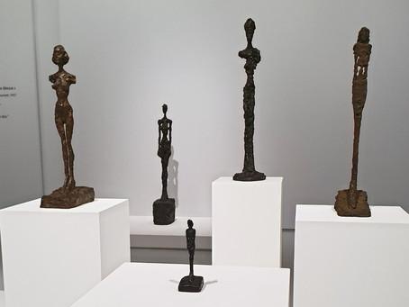 Von Giacometti bis Jeff Koons: Diese Ausstellungen sollten Sie nicht verpassen!