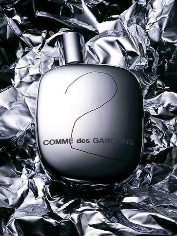 still-life-parfum-comme-des-garçons