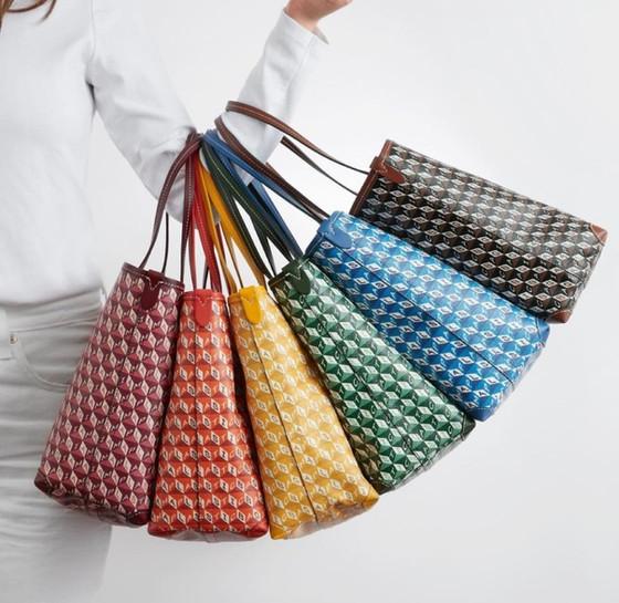 I Am A Plastic Bag