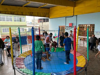 Instituto Gnosis promove ação social para crianças autistas em Mesquita (RJ)
