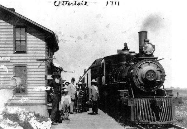 Passengers 1911img007.jpg