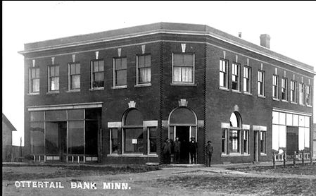 Bank 1910  2019-11-09 130827BWA.jpg