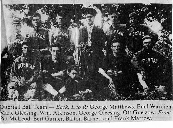 Baseball team img249-bw.jpg