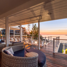Oceanfront Guest Lounge