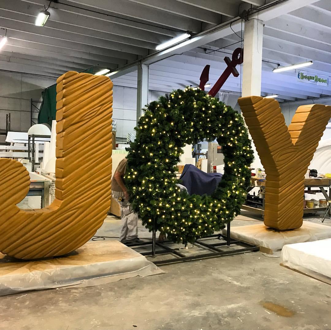 Giant_Letters_Joy