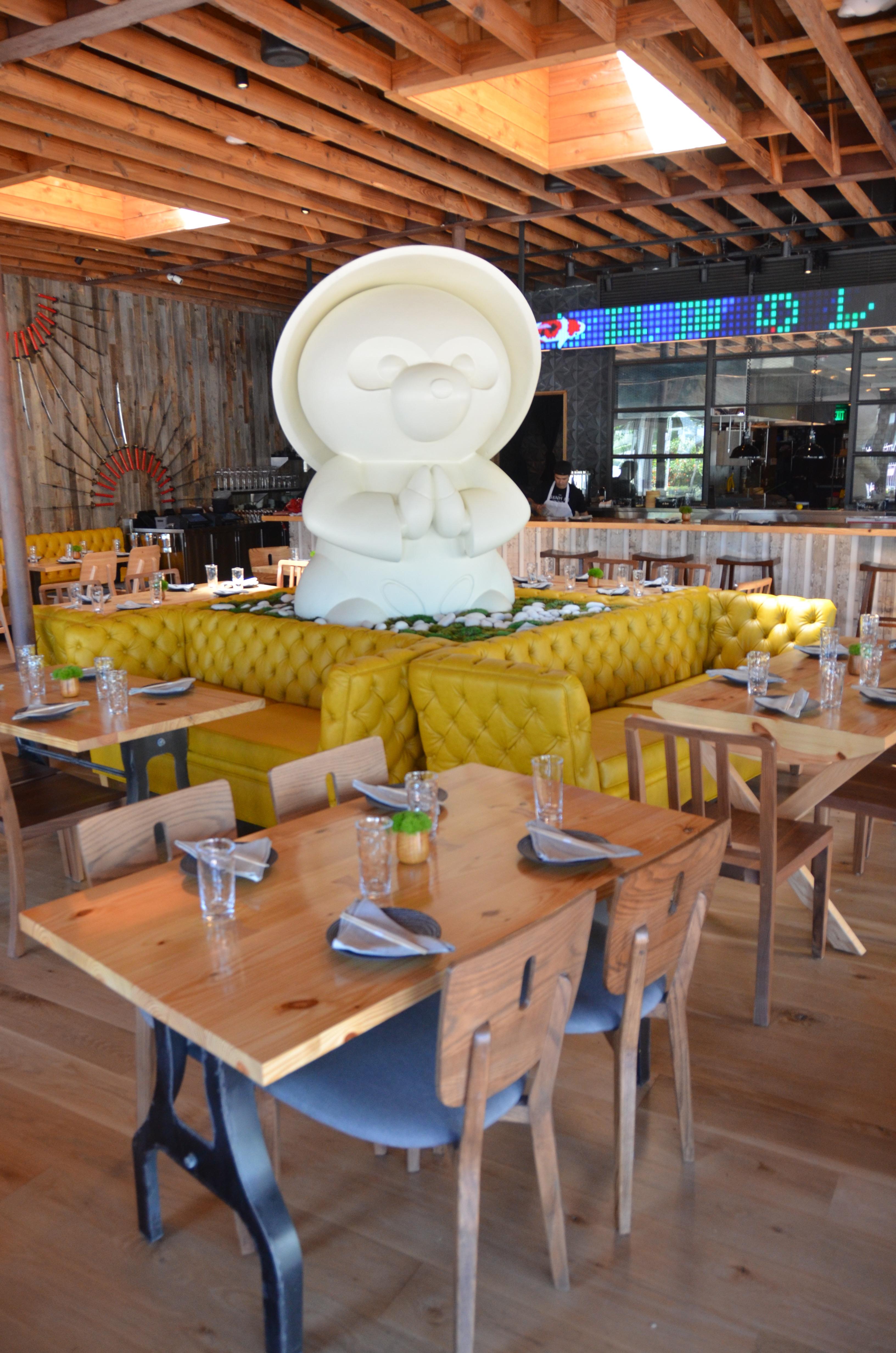Character Tanuki Restaurant