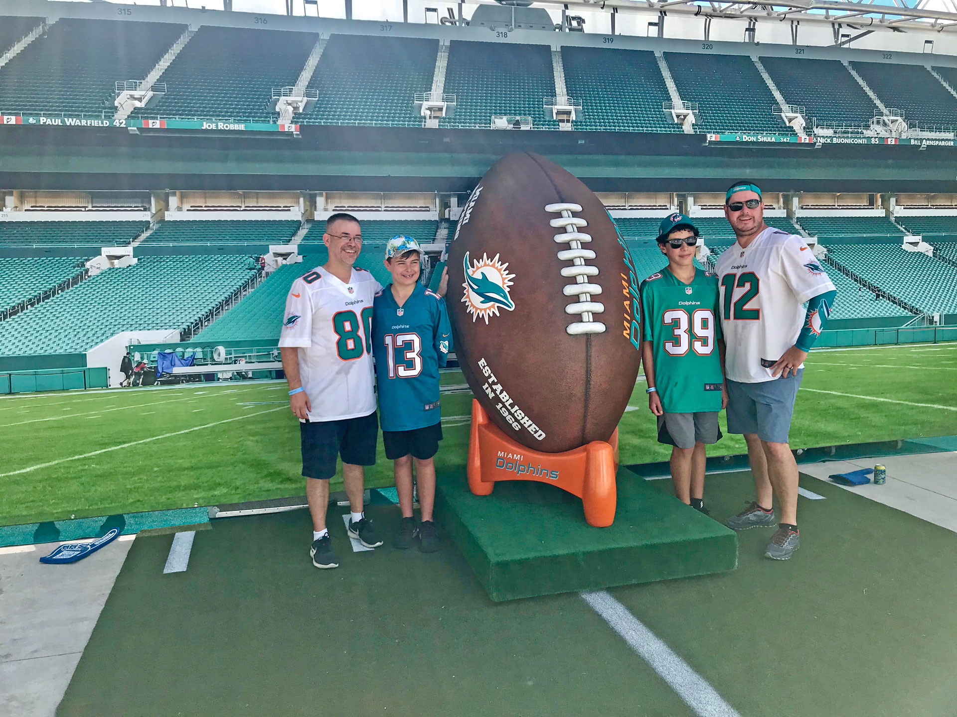 Miami-Dolphins-Giant-Ball-Photo-Opp