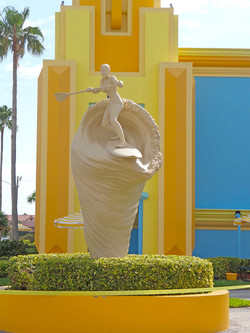 Woman-Paddle-Boarding-Sculpture-Ron-Jon-3-as-Smart-Object-1