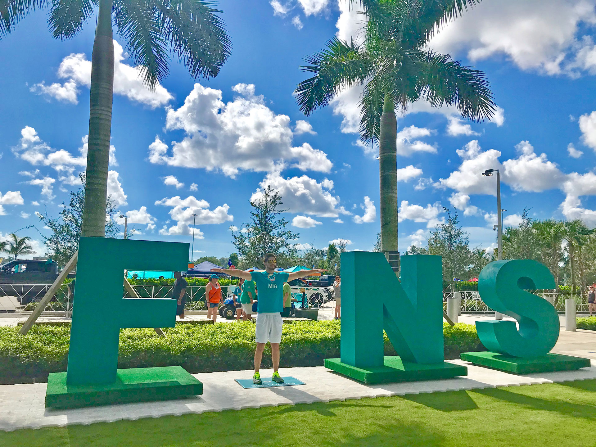 Miami-Dolphins-Giant-Letters-Photo-Opp