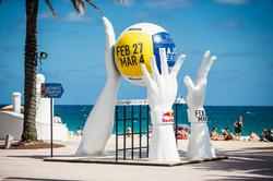 Beach Volleyball Major Giant Hands