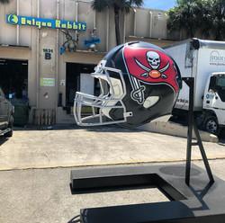 Tampa_Bay_Buccaneers_Giant_Helmet
