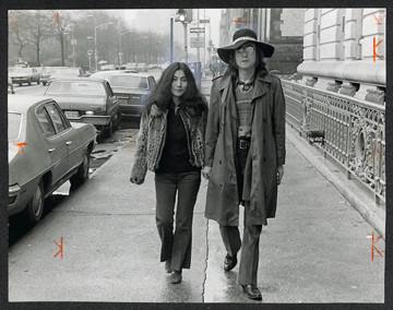 John Lennon & Yoko Ono - Walking On CPW Central Park, NYC 1973
