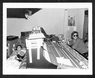 John Lennon & Yoko Ono - Knitting Hit Factory, NYC 1980