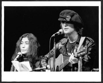 John Lennon & Yoko Ono The Apollo, NYC 1971