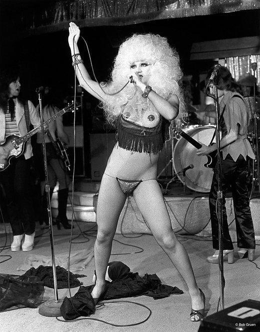 Jayne County by Bob Gruen. Club 82 in NYC. 1974