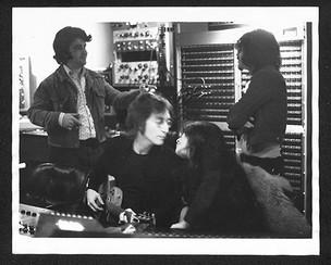 (L-R) Roy Cicala, John Lennon, Yoko Ono and Wayne Tex Gabriel of Elephant's Memory Record Plant, NYC 1972