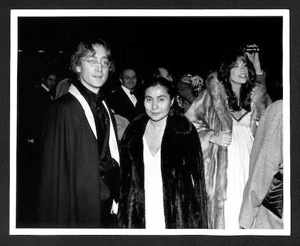 (L-R) Yoko Ono, Merce  Cunningham and John Lennon, Carly Simon at Merce Cunningham Ballet. NYC, 1997