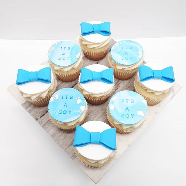 IT'S A BOY_•_Themed cupcakes for a babys