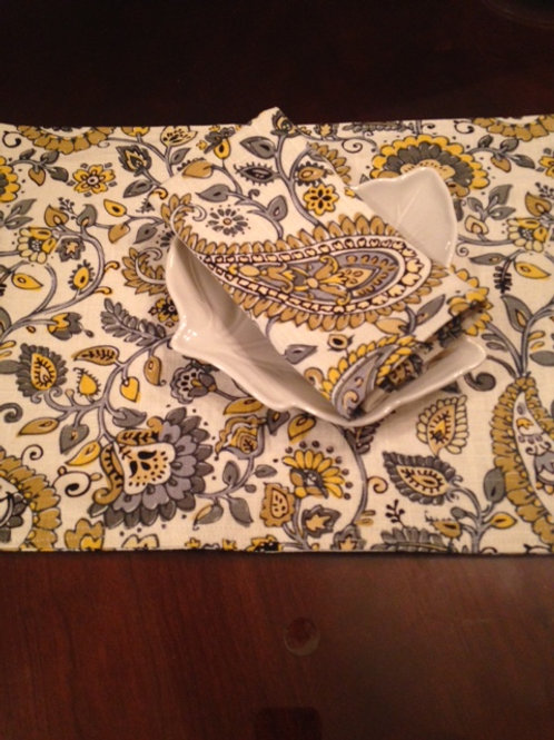 Linen Custom Placemats and Napkins