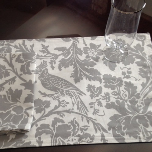 Marbella Bird Storm Gray & White Placemats