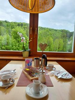 Frühstücks - Tisch