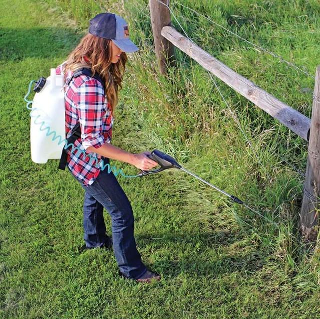 Lawn Guard 4 Gallon Multi Use Sprayer1.j