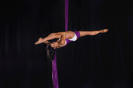 Experience the exhilaration of an aerial silks (tissu) performance at your next event! Be mesmerised by the art of ballet in the air as our experienced acrobatic performers gracefully execute daring drops, spins and contortion-like manoeuvres from fabric h
