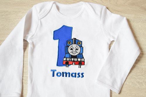"""Personalizēts bodijs ar vilcieniņu """"Tomass"""", ciparu un bērna vārdu"""