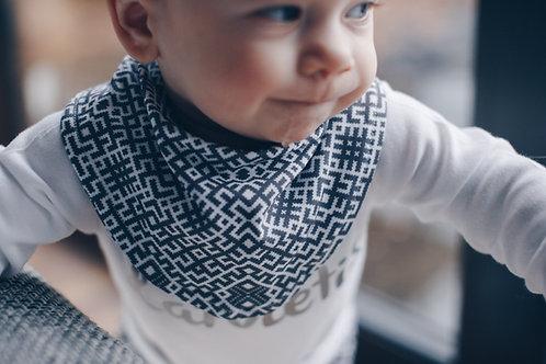 Pelēka Latviska raksta mazuļa lacīte