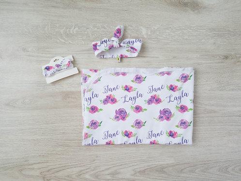 Unikāla violetu ziedu raksta sedziņa un matu lenta ar bērna vārdu